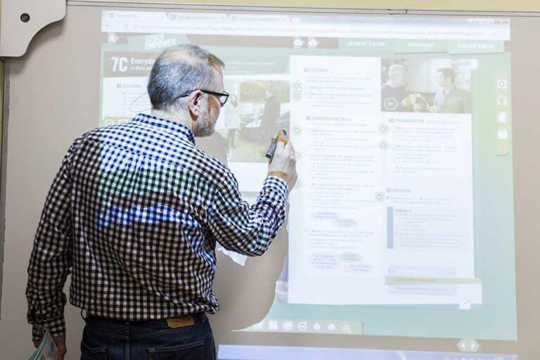 Cursos de Preparación de Exámenes en Centro Norteamericano